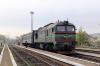 UZ 2M62-0909b departs Chernivtsi Pivnichna (North) with 968 0830 Chernivtsi - Sokriany; still pissing fuel out!