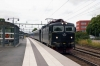 SJ T&T Rc6's 1350 & 1382 arrive into Knivsta with 851 1641 Uppsala - Stockholm Central