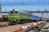 UZ 2M62-1247B drops onto 061B 2040 (P) St Petersburg - Chisinau at Korosten; there was no visible marking to distinguish the A or B unit so i had to look in the cab!
