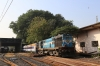 VTA WDM3A 16833 shunts the breakdown train on shed at Mumbai Bandra Terminus