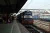 SPJ WDM3D 11534 arrives into Samastipur Jn with 15232 2100 (PP) Gondia Jn - Barauni Jn; running 3 hours late