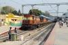 KZJ WDM3A/WDG3A twins 18890/14781 at Yesvantpur Jn with 12193 1550 Yesvantpur Jn - Jabalpur Jn