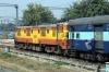 ET WAM4 21335 waits to depart Delhi Sarai Rohilla with 14624 1220 Delhi Sarai Rohilla - Chhindwara
