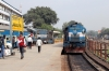 VTA WDM3D 11542 stands at Jabalpur Jn with 19049 1545 (P) Bandra Terminus - Rajendranagar; ET WDM3D 11134 stands in the adjacent platform while acting as station pilot loco