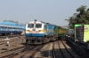 ET WDP4B 40052 shuts stock at Jabalpur Jn