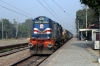 GD WDM3A 16497 arrives into Kakori (with LKO WDG4 12184 dead inside) while working 54332 0720 Balamau - Lucknow Charbagh