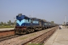 KGP WDM3A 16424 at Tilaiya after arrival with 53232 0750 Danapur - Tilaiya passenger