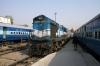 ABR WDM2 17648 arrives at Jodhpur with 22478 0600 Jaipur Jct - jodhpur SF Exp