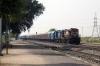 KTE WDG3A 14952 (KTE WDM2 17794 dit) runs through Banar with a container train