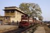 FL YDM4 6729 waits departure from Jaipur Jct with 02085 1655 Jaipur Jct - Churu Jct