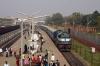 JMP WDM3A 16543 arrives into Jamalpur Jct with 12367 1115 Bhagalpur Jct - Anand Vihar Terminus (Vikramshila Express)