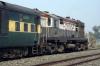 JMP WDM2 18590 waits at Dasarathpur with 22406 1655 (P) Anand Vihar Terminus - Bhagalpur Jct