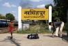 ET twins 16775/18924 depart Narsinghpur with 12322 2125 (03/10) Mumbai CST - Howrah