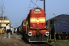 MGS WDM3A 16177 at Mughalsarai, about to be replaced by LKO WDM2A 16870 on 12355 0705 Rajendra Nagar - Jammu Tawi